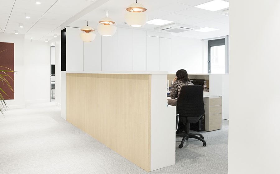 bureaux rénovation nouveaux sopic paris tendance chic simples - Carré d'Arch Architectes Associés